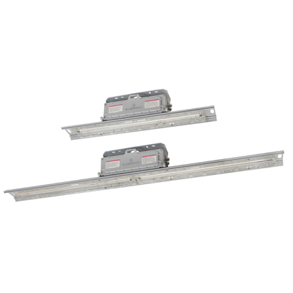 Lightweight, easy to install hazardous location linear luminaire